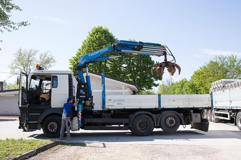 Camion man con ragno gru c a p a m for Noleggio della cabina del parco cittadino